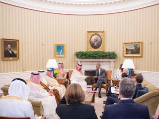 ولي ولي العهد السعودي يجري محادثات مع أوباما