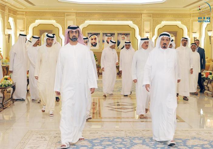 حاكم عجمان وولي عهده يتبادلان التهاني مع جموع المهنئين بحلول شهر رمضان المبارك
