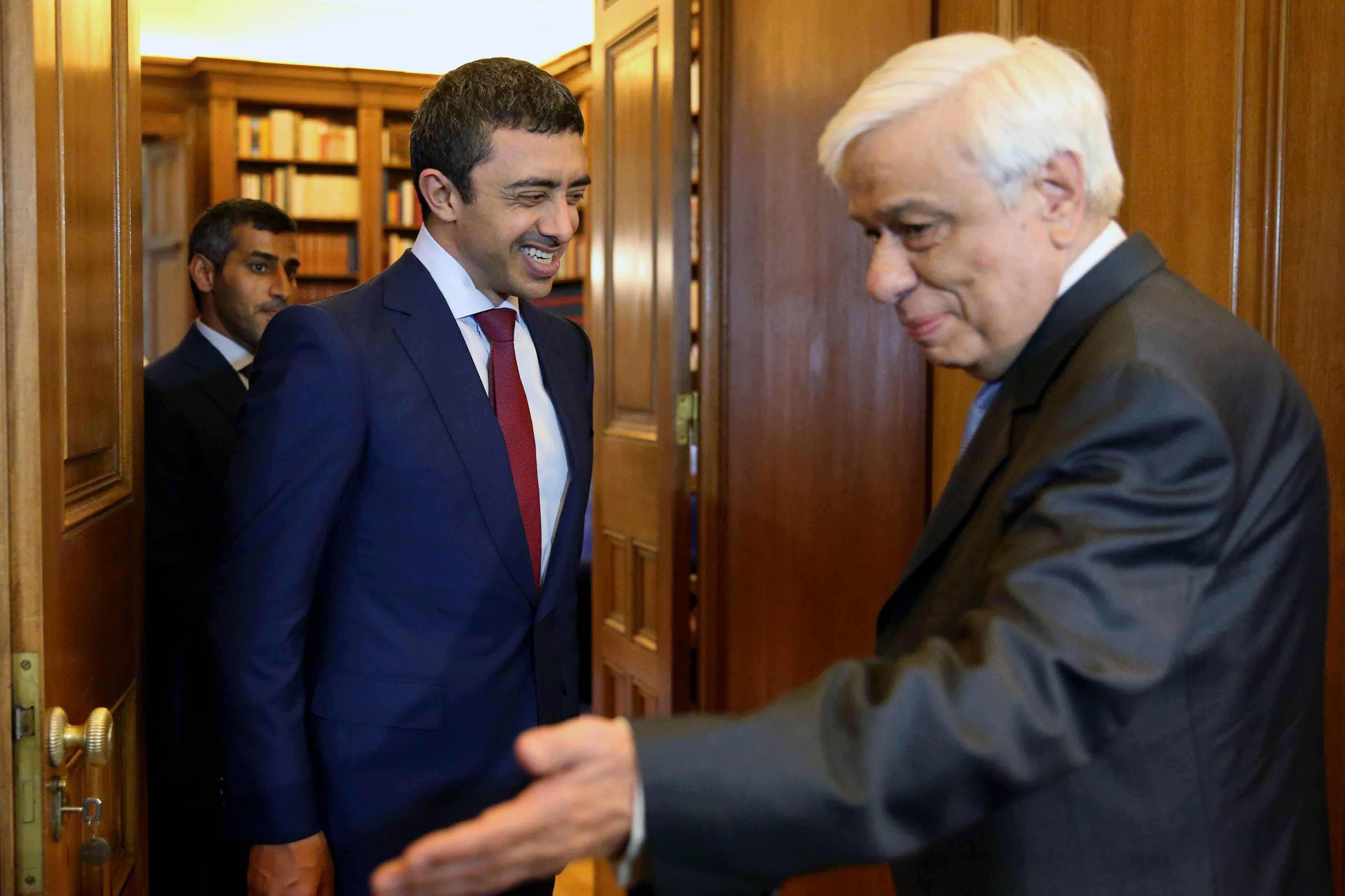 رئيس اليونان يستقبل عبدالله بن زايد