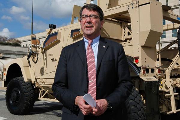 وزير الدفاع الأميركي يصل بغداد فجأة لبحث مكافحة داعش
