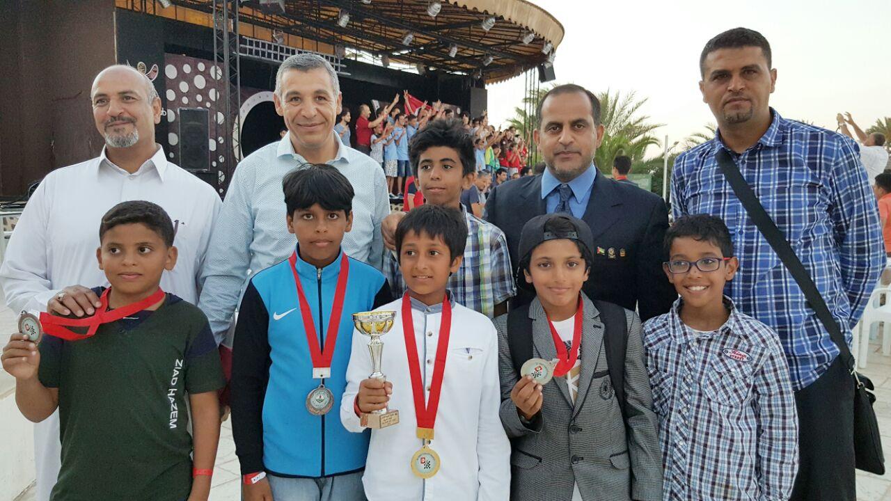 لاعبو الفجيرة في الشطرنج يهدون المنتخب الوطني ميداليات البطولة العربية