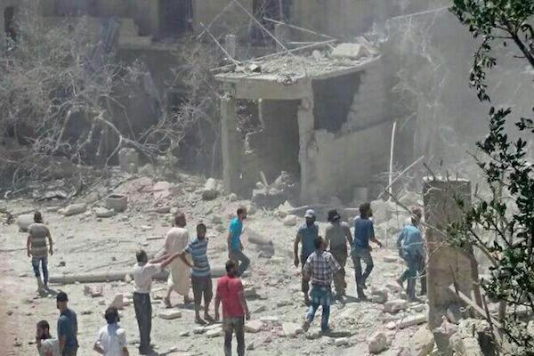 قصف عنيف على مستشفى للولادة في إدلب