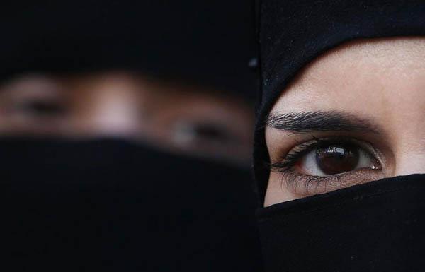 غالبية الألمان تؤيد فرض حظر على النقاب
