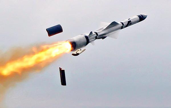 السعودية تسقط صاروخًا بالستيًا قادمًا من اليمن