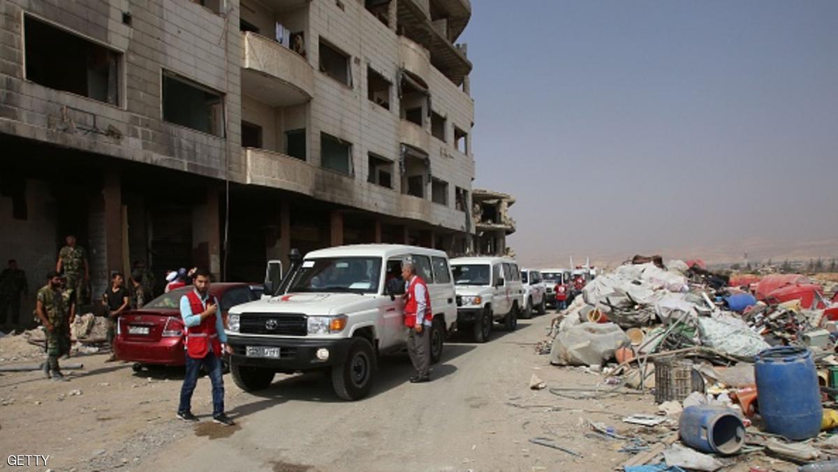 بدء خروج المقاتلين وعائلاتهم من مدينة داريا قرب دمشق