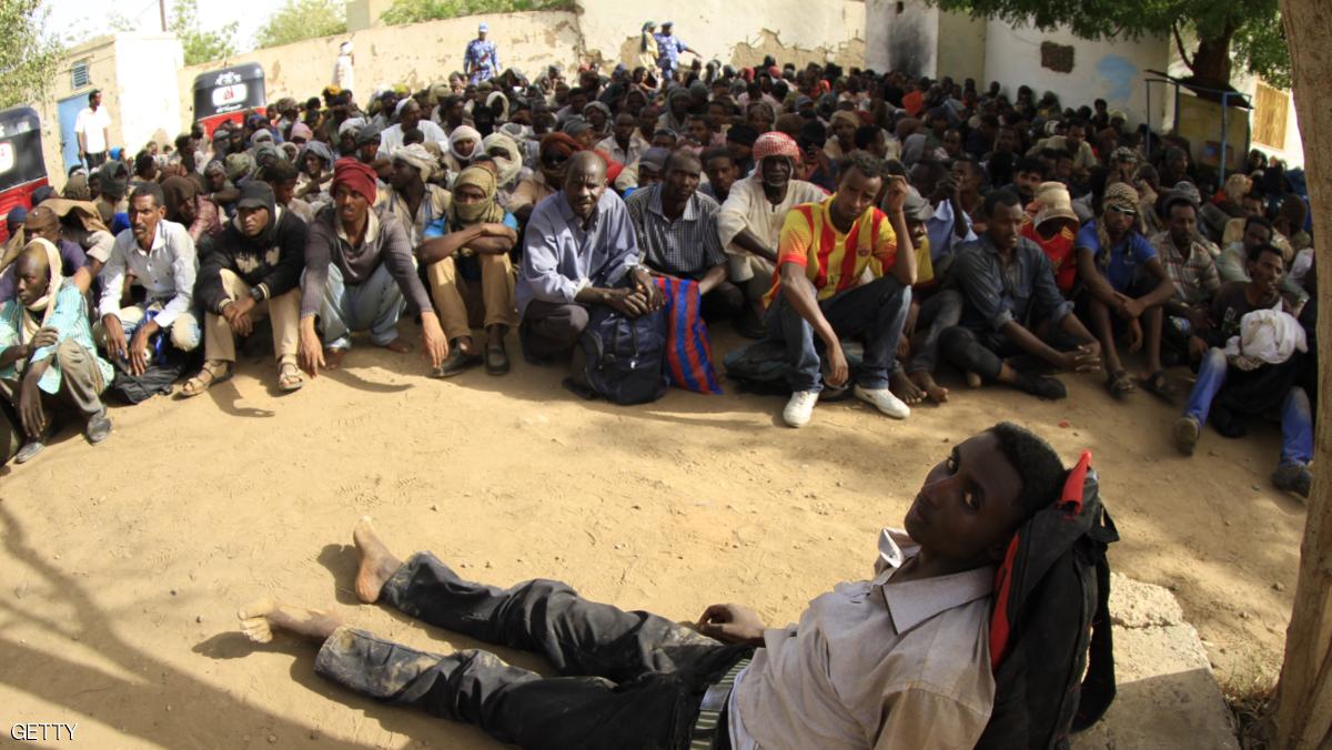 السودان يوقف مئات المهاجرين قرب الحدود مع ليبيا