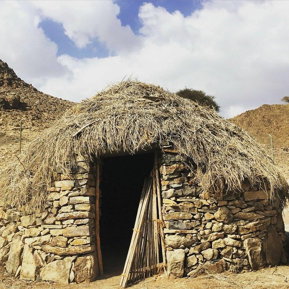 البيوت القديمة في الطويين شاهد على ماضي الأجداد
