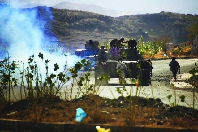 «الشرعية » تتصدى لهجمات الانقلابيين المباغتة