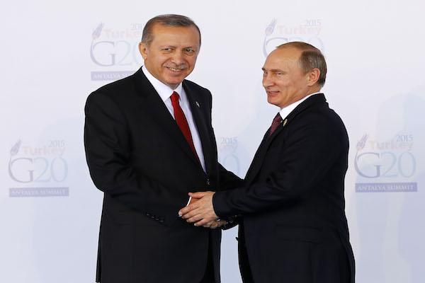 الزيارة الأولى بعد الانقلاب.. أردوغان في روسيا