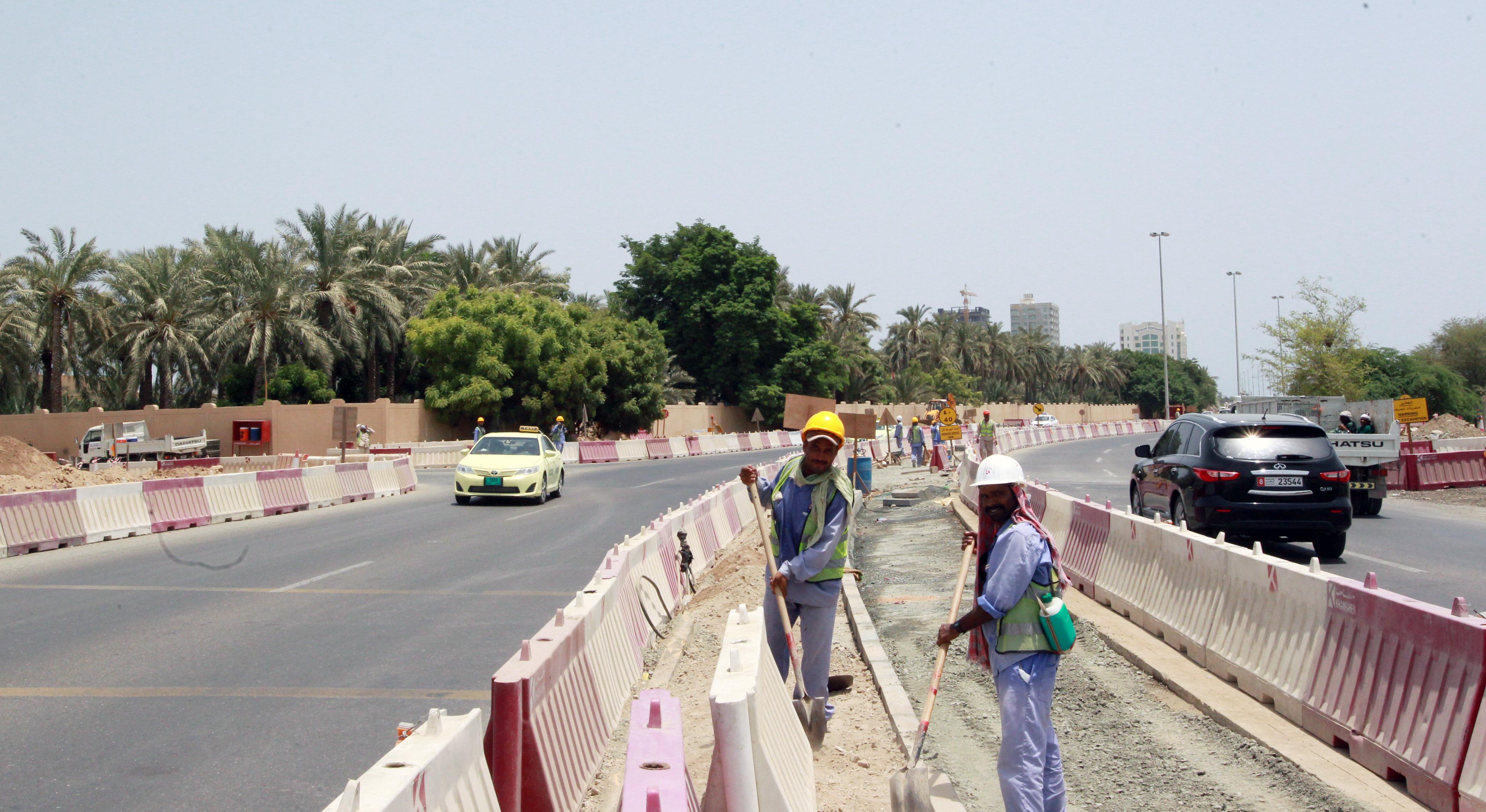 أشغال الفجيرة تبدأ مشروع تطوير  شارع النخيل