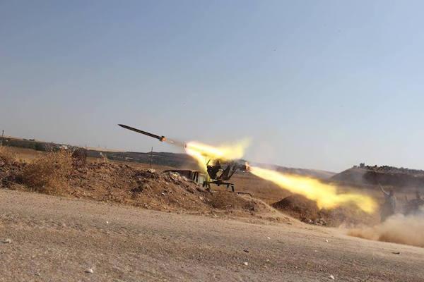مقتل طيار سوري في قصف صاروخي استهدف مطار حماة