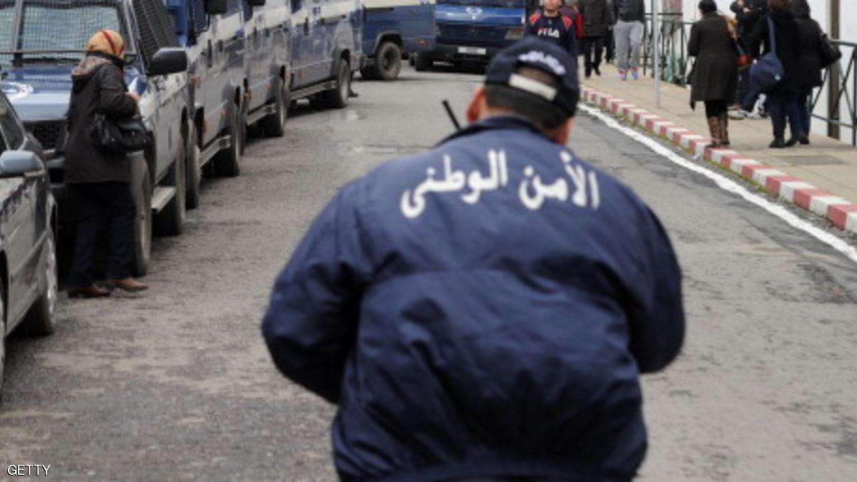 الأمن الجزائري يحقق حلم طفل مصاب بمرض مزمن