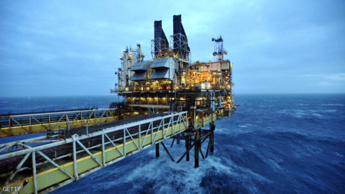 ليبيا ونيجيريا تهبطان بأسعار النفط