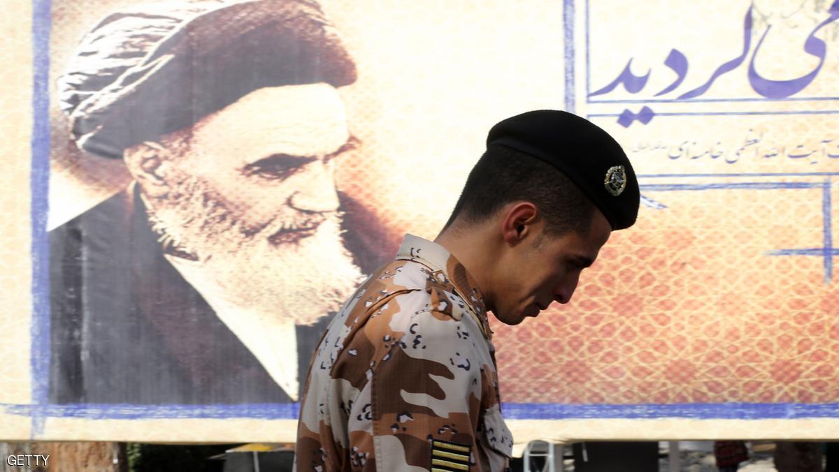 جندي إيراني يقتل 3 من زملائه وينتحر