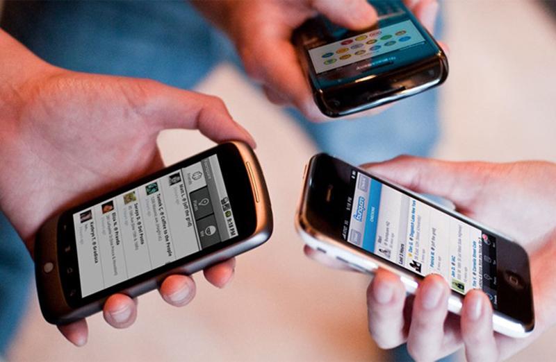 الكويت تنصح مواطنيها بالتحقق من محتوى الهواتف قبل السفر لأميركا