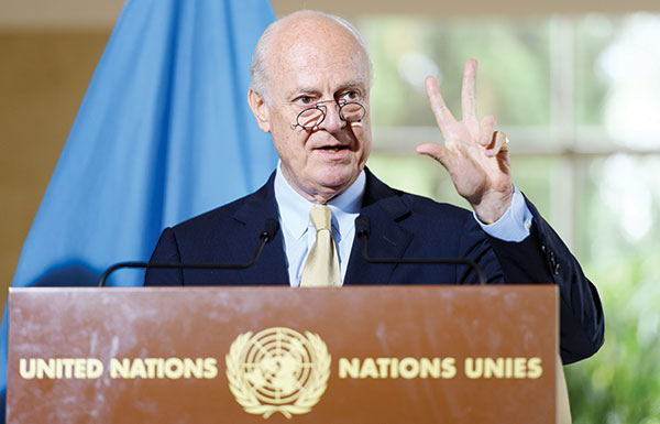 دي مستورا يتهم النظام بقطع طريق المساعدات نحو حلب
