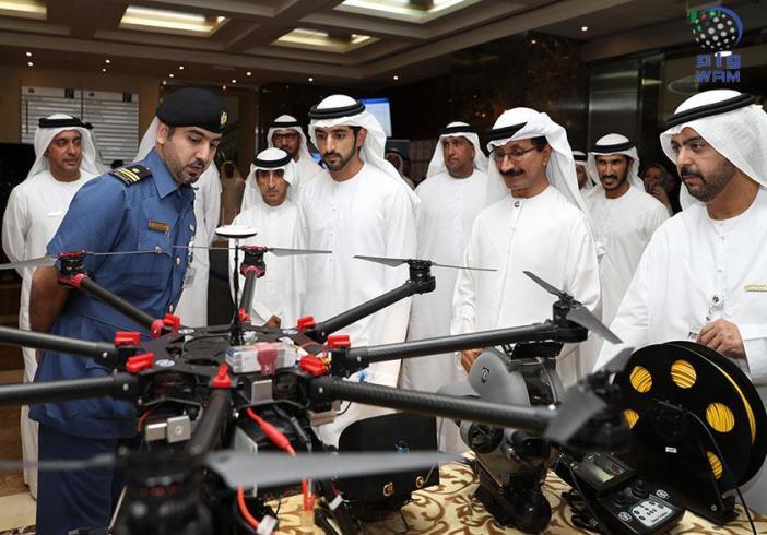حمدان بن محمد يزور مقر جمارك دبي ويطلع على أهم انجازاتها ومشاريعها