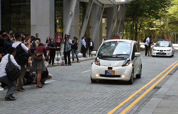 انطلاق خدمة سيارات أجرة ذاتية القيادة في سنغافورة