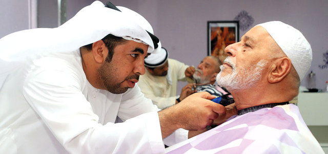 212 مسناً في دبي تعوضهم العلاقة الإنسانية عن انقطاع علاقة الدم