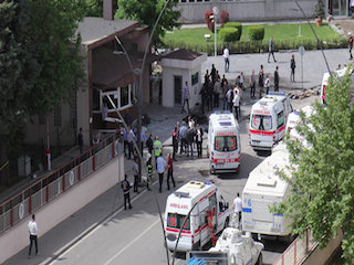 تفجير انتحاري ضخم يستهدف قوات الأمن التركية