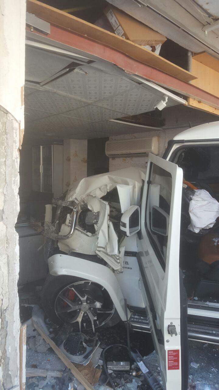 7 إصابات بحادث اصطدام مركبتين في عجمان