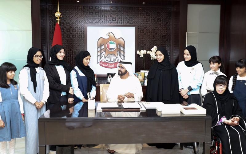 محمد بن راشد .. رئيس الدولة يصدر أول قانون للقراءة في المنطقة