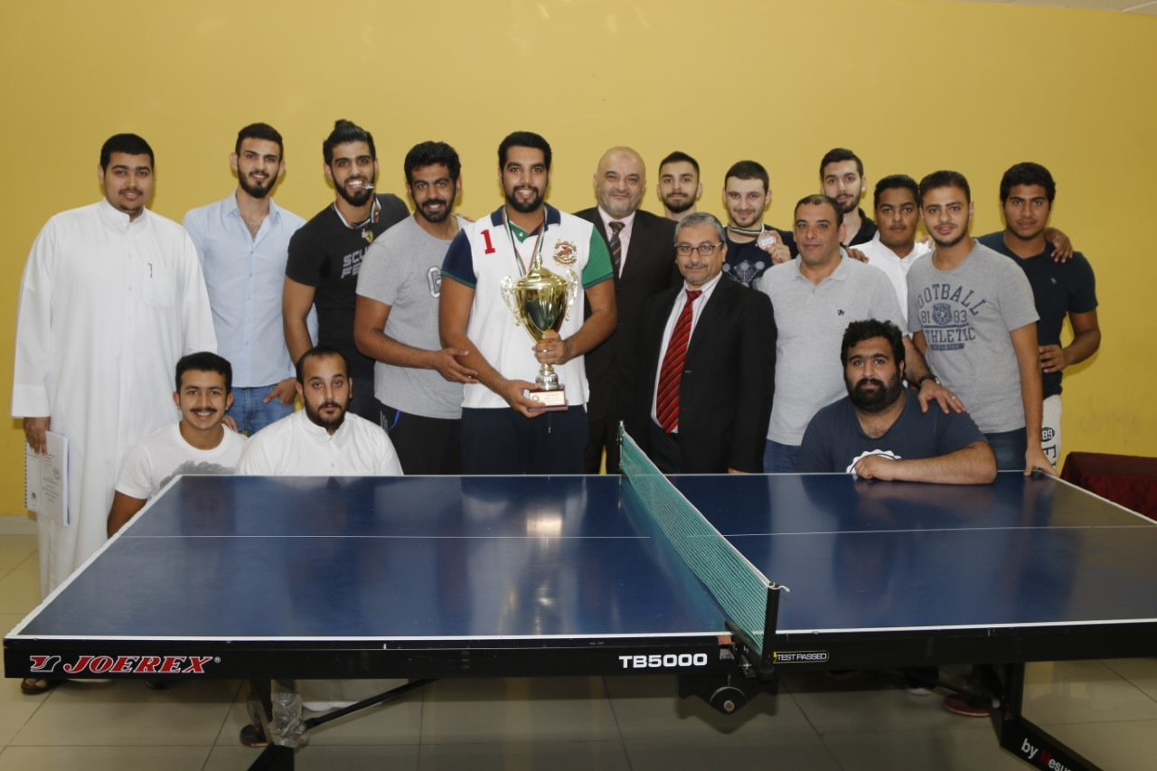 أبو النور يتوج الفائزين ببطولة تنس الطاولة  لجامعة عجمان بالفجيرة