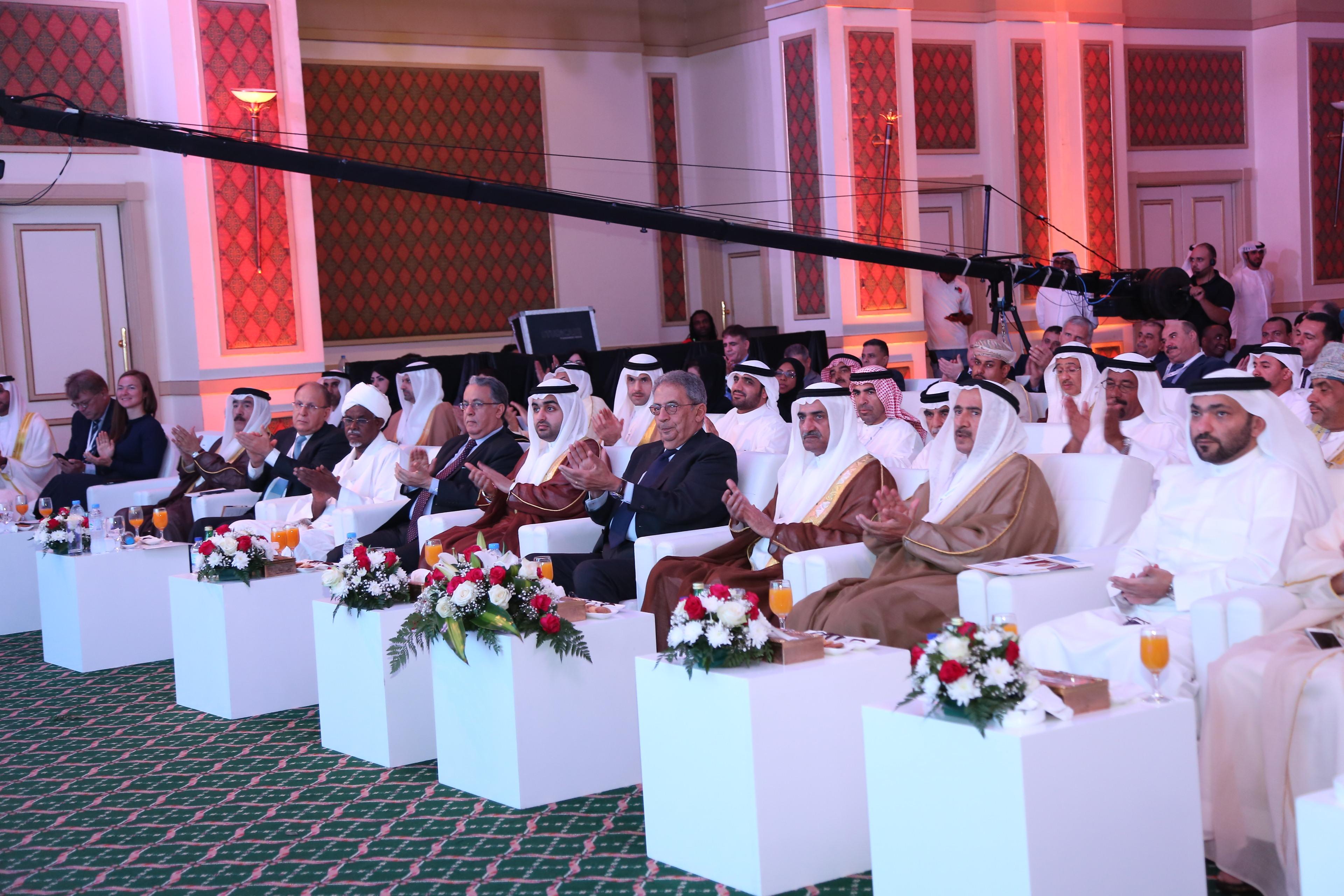 حاكم الفجيرة يفتتح أعمال المؤتمر العربي الثاني للتطوير والاستثمار العقاري والصناعي