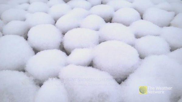 ظهور كرات ثلج عملاقة في سيبيريا