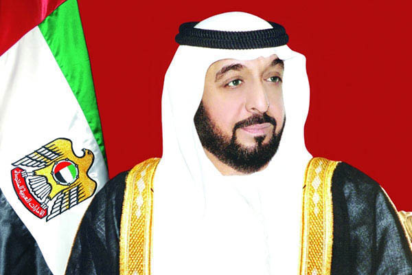 رئيس الدولة ونائبه ومحمد بن زايد يهنئون أمير قطر باليوم الوطني لبلاده