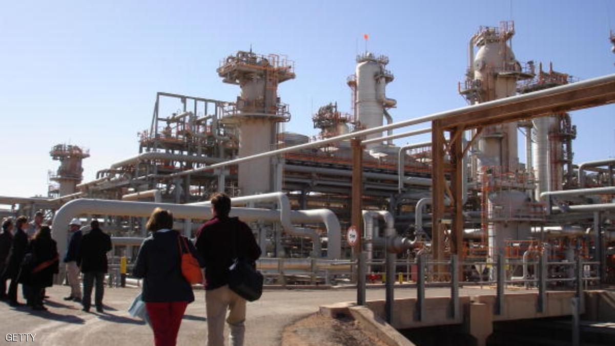 مسؤول: الجزائر تعزز التنقيب عن النفط في العام القادم