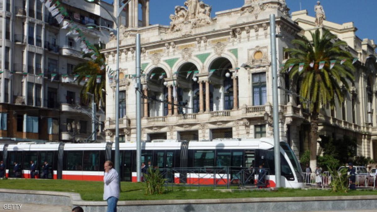 الجزائر تحتضن أضخم نسخة من مهرجان المسرح العربي