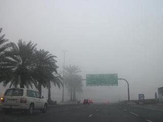 مطارات دبي تحول 13 رحلة إلى مطارات مجاورة بسبب الضباب