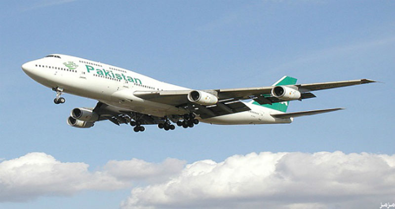 تحطم طائرة باكستانية على متنها أكثر من 40 شخصا
