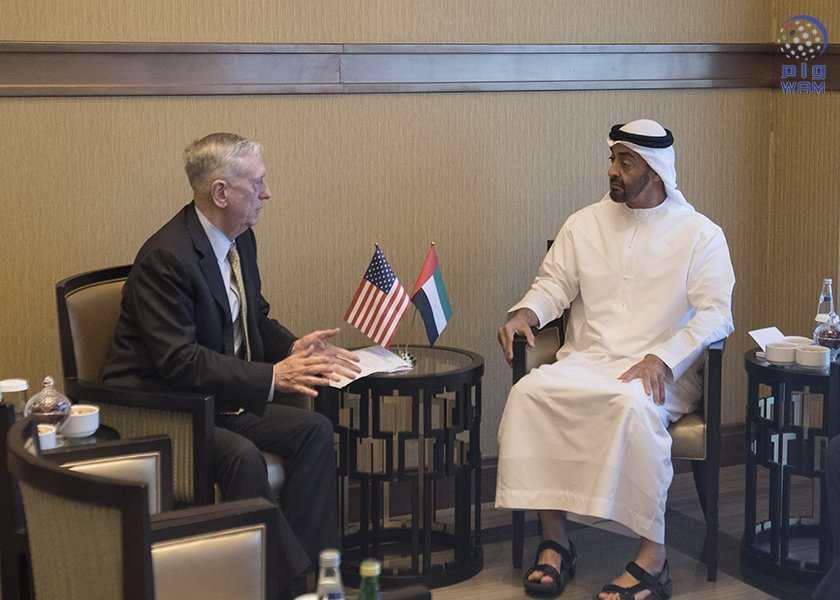 محمد بن زايد يستقبل وزير الدفاع الأميركي