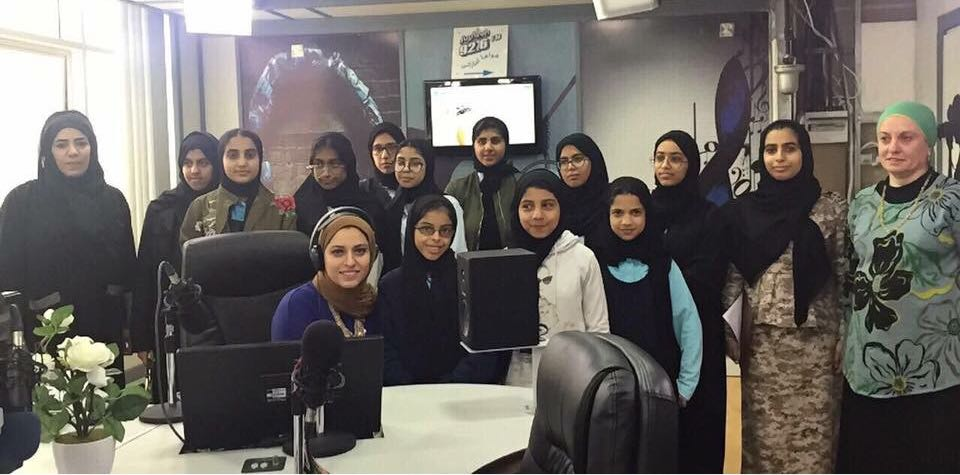 المركز الثقافي بمسافي يزور مبنى إذاعة الفجيرة بمناسبة اليوم العالمي للإذاعة