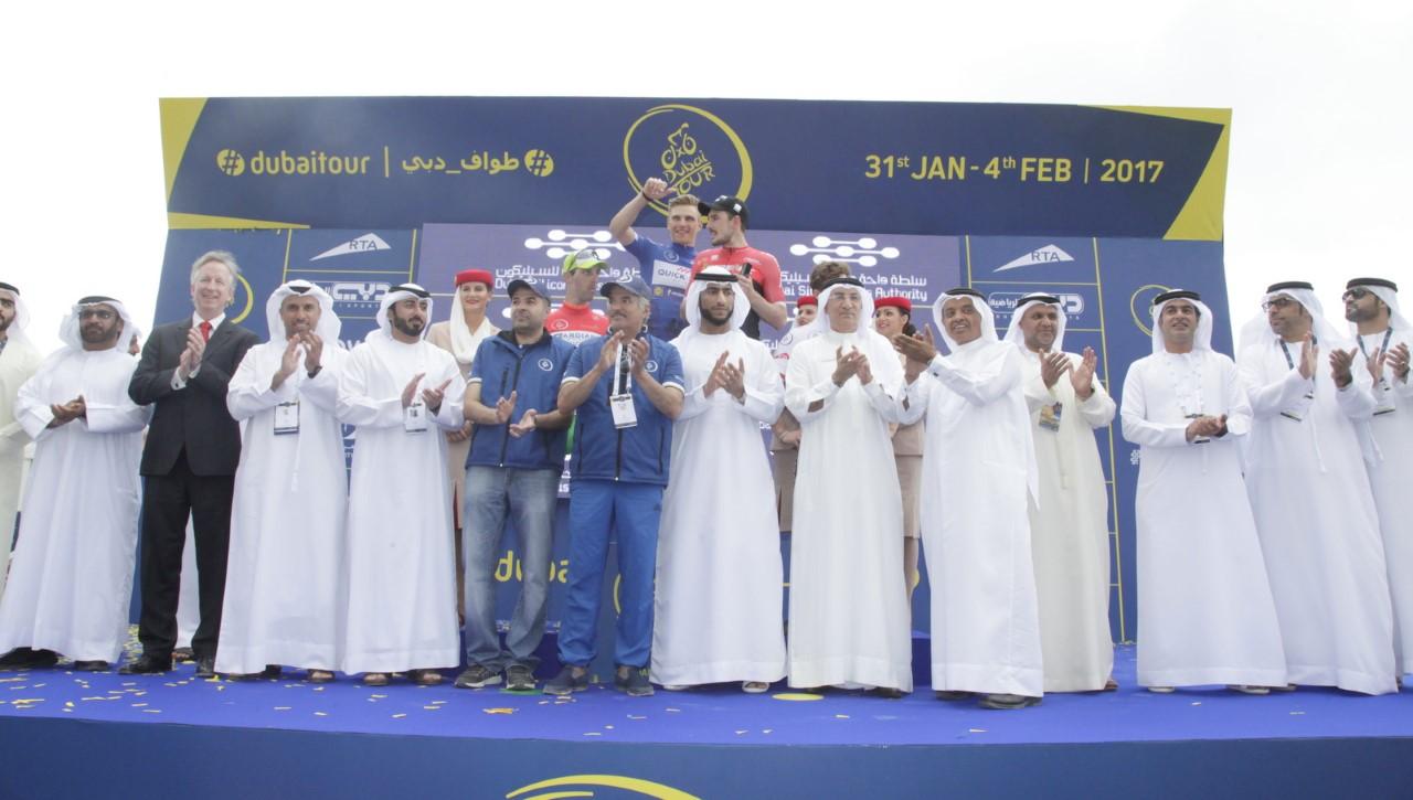 الألماني جون دنكولب بطل مرحلة دبا الفجيرة لطواف دبي الدولي للدراجات