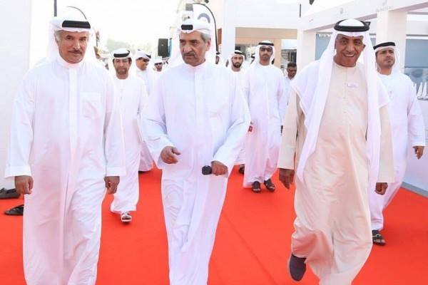 حاكم الفجيرة يزور معرض دبي العالمي للقوارب