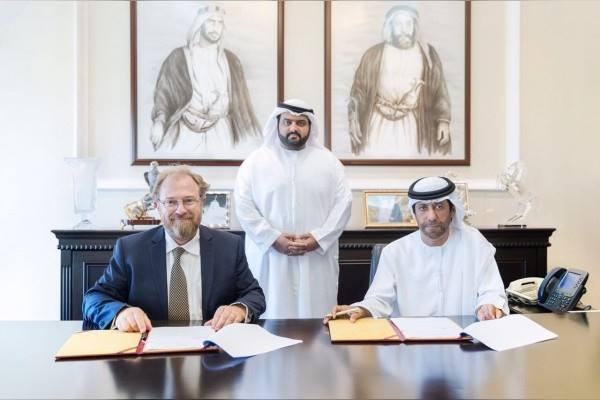 ولي عهد الفجيرة يشهد توقيع إتفاقية لحماية الحيتان في الإمارة
