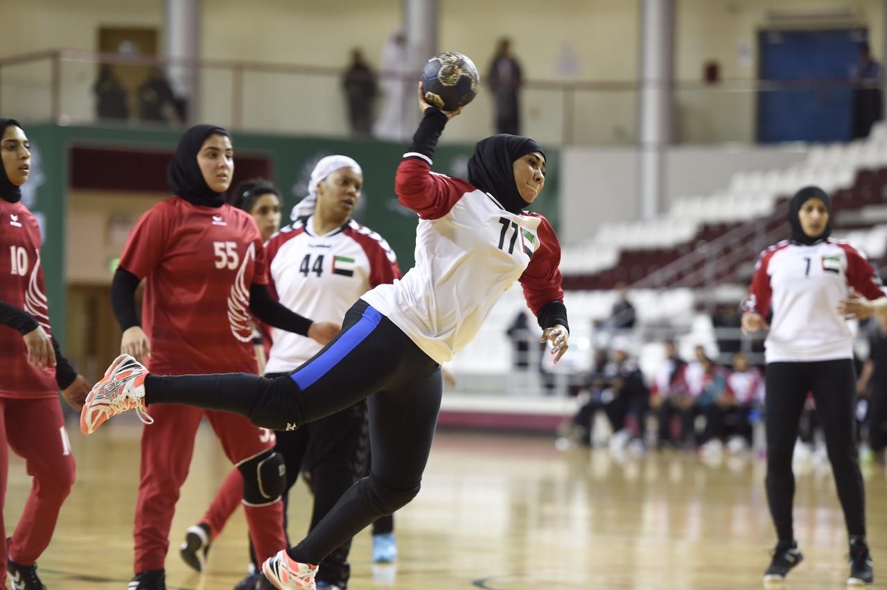 منتخب الإمارات النسوي يفوز بفضية كرة اليد