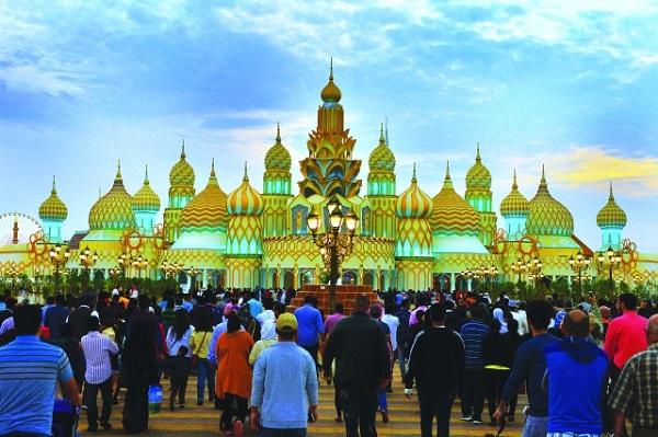 القرية العالمية استقبلت 5.6 ملايين زائر في موسمها الـ21
