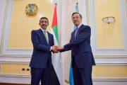 عبدالله بن زايد ونظيره الكازاخستاني يوقعان بروتوكول تعديل اتفاقية الاعفاء المتبادل من تأشيرة الدخول المسبقة