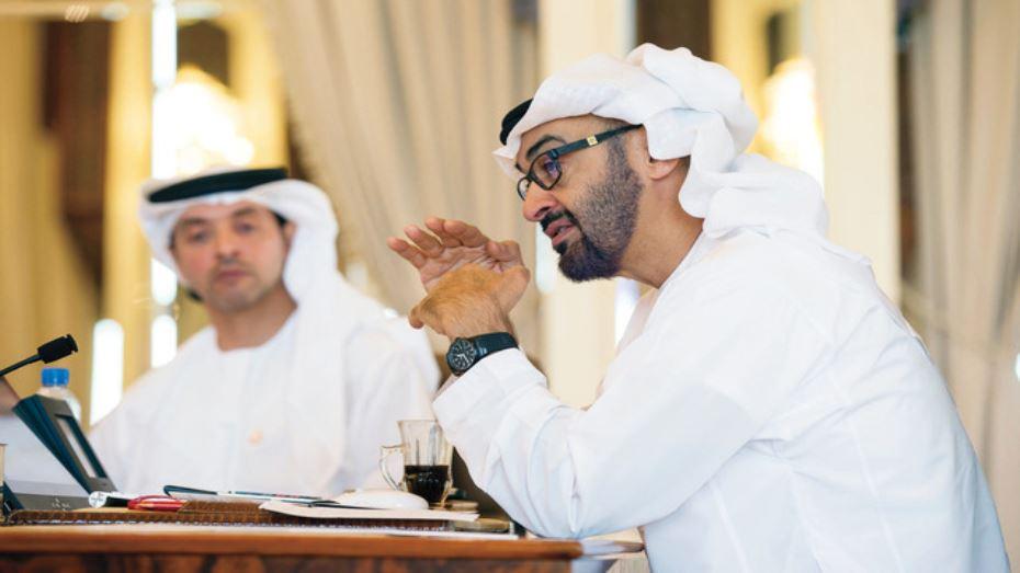 محمد بن زايد يحيي عمال الإمارات في يوم العمال العالمي