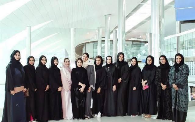 انطلاق برنامج القيادات النسائية المبتكرة بمشاركة 14 إماراتية في المملكة المتحدة