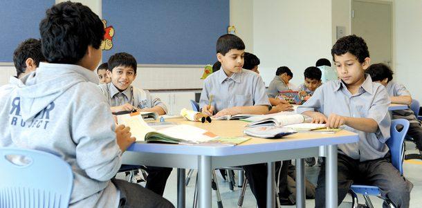 «حظر الإنترنت» لأغراض شخصية في المدارس