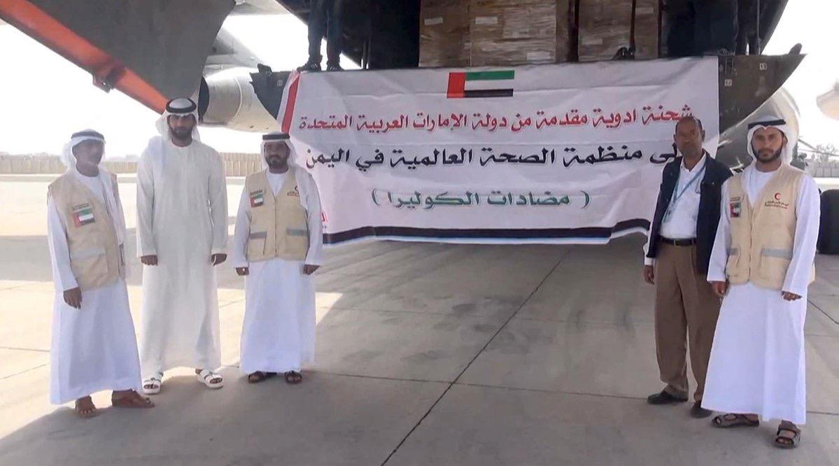 الهلال يرسل شحنة جديدة من مضادات الكوليرا إلى اليمن