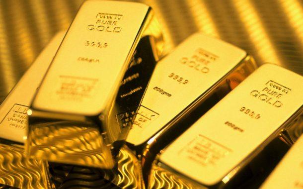 الذهب ينخفض مع تعافي الدولار