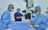 أطباء أبوظبي ينجحون في إعادة البصر لمسنة مواطنة