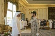 محمد بن زايد يستقبل أحمد المزروعي الحاصل على سيف شرف