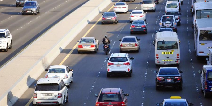 قرار من مجلس الوزراء بشأن رسوم تراخيص القيادة والمركبات